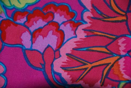 Kaffe Fassett Blooms & Dots Cotton Fabric Fat Quarter Bundle-kaffe fassett, magenta, flowers, dots, pink,